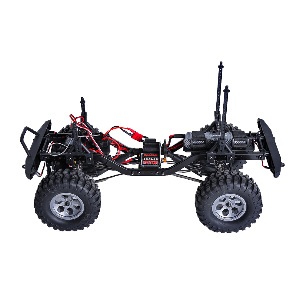 4x4 rc mud trucks with 131984634650 on 131984634650 further Watch besides Watch furthermore Mechanic Transforms A Classic 1950 Chevy Pickup Truck Into An Off Road Mud Bogging Machine moreover Watch.
